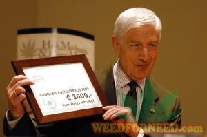 Dries van Agt, voormalig ministerpresident, is de zesde winnaar